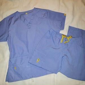 Wonder Wink Scrub Set in Ceil Blue Top Sm Pants XS